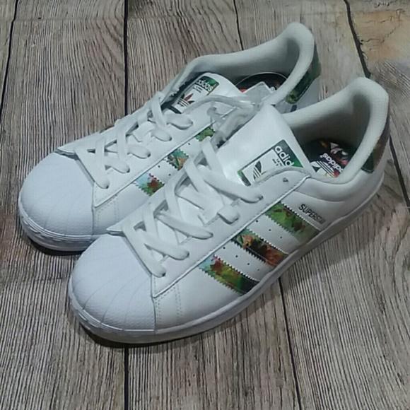 best service 3039b 26503 Adidas Originals Superstars White Floral Print NWT